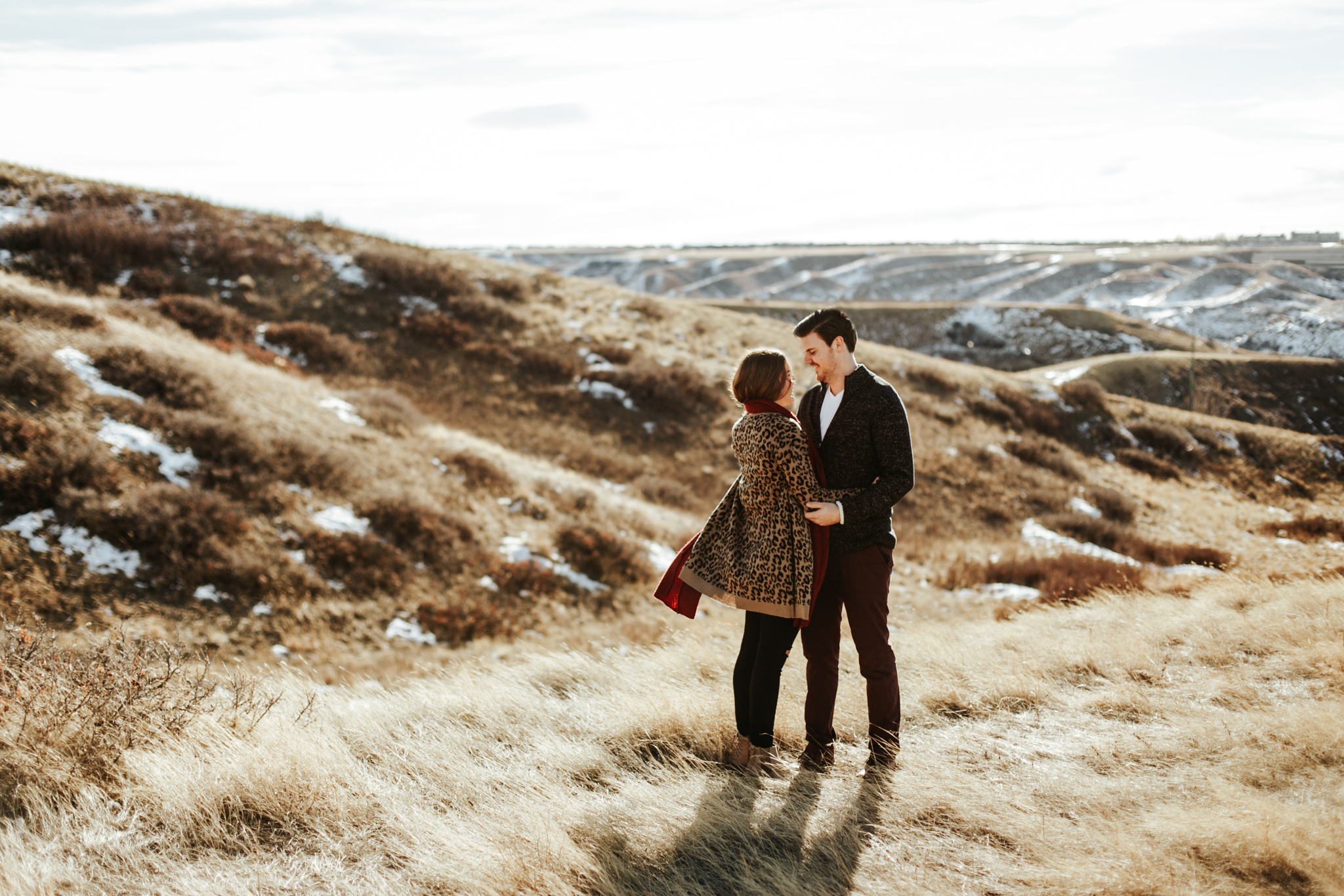 lethbridge-photographer-love-and-be-loved-photography-winter-engagement-emma-tanner-picture-image-photo-4.jpg