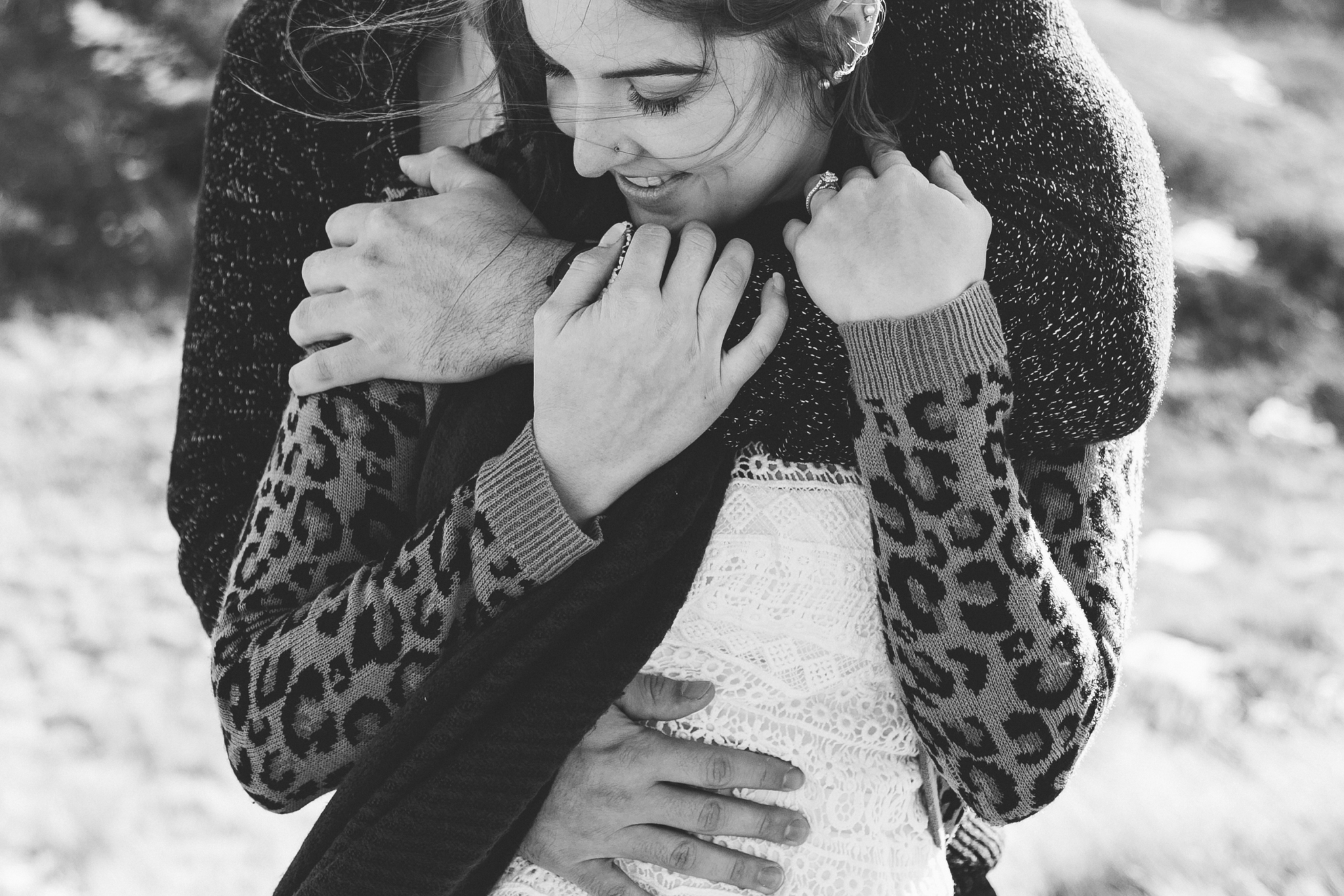 lethbridge-photographer-love-and-be-loved-photography-winter-engagement-emma-tanner-picture-image-photo-10.jpg