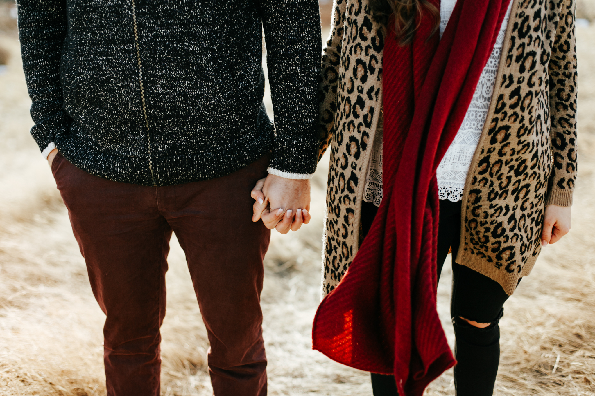lethbridge-photographer-love-and-be-loved-photography-winter-engagement-emma-tanner-picture-image-photo-15.jpg