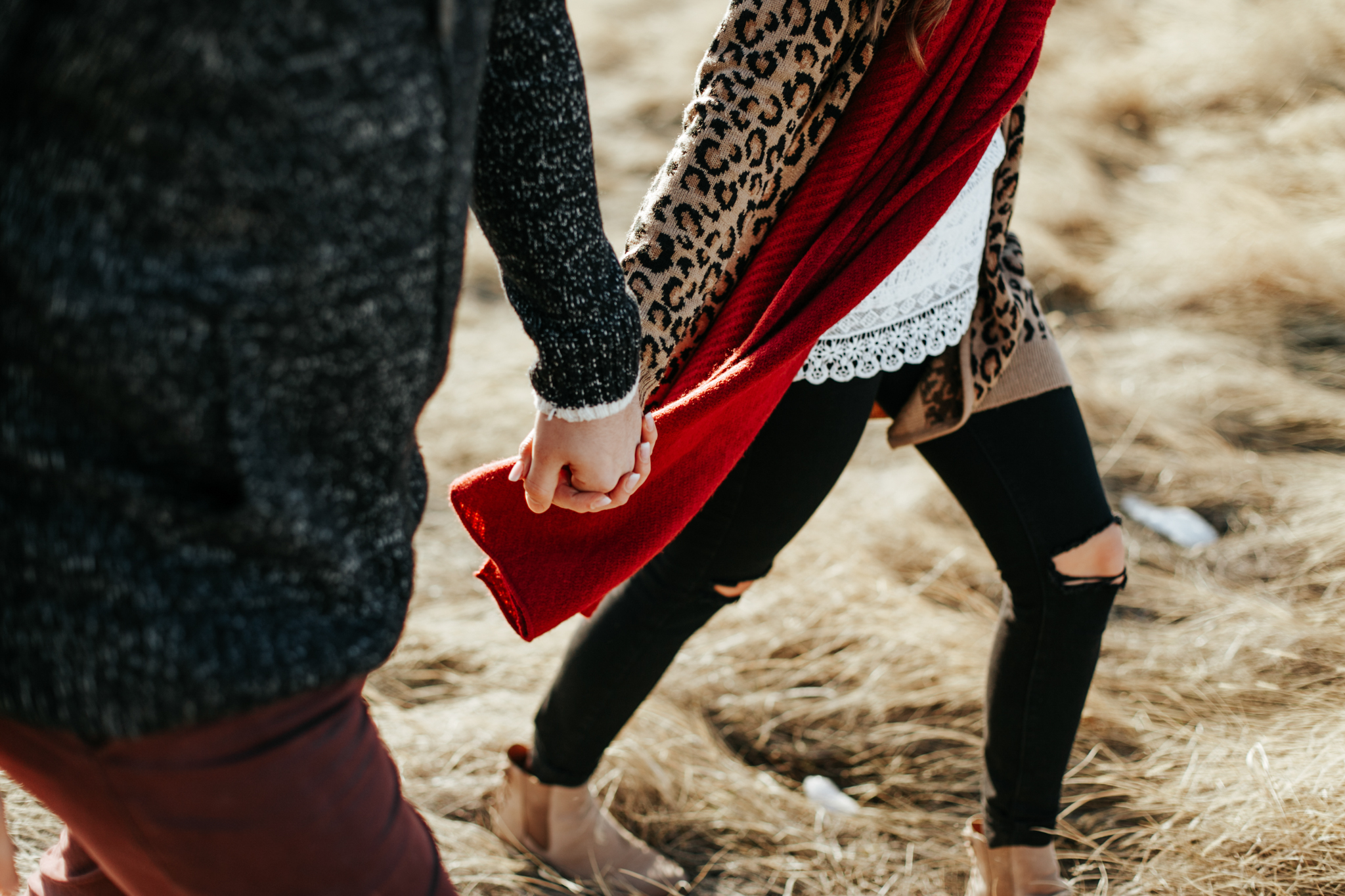 lethbridge-photographer-love-and-be-loved-photography-winter-engagement-emma-tanner-picture-image-photo-20.jpg