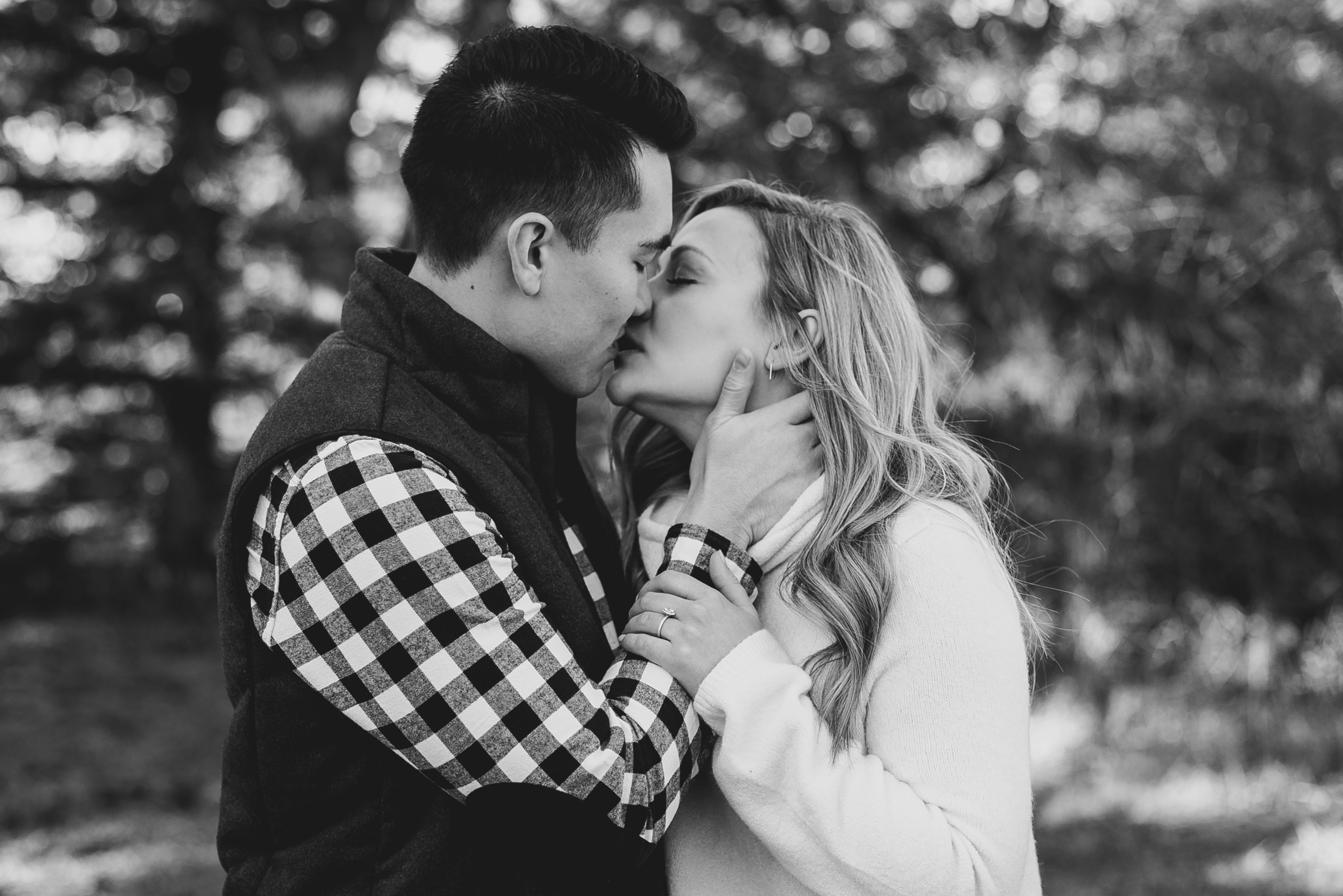 lethbridge-photographer-love-and-be-loved-photography-jared-carly-engagement-17.jpg