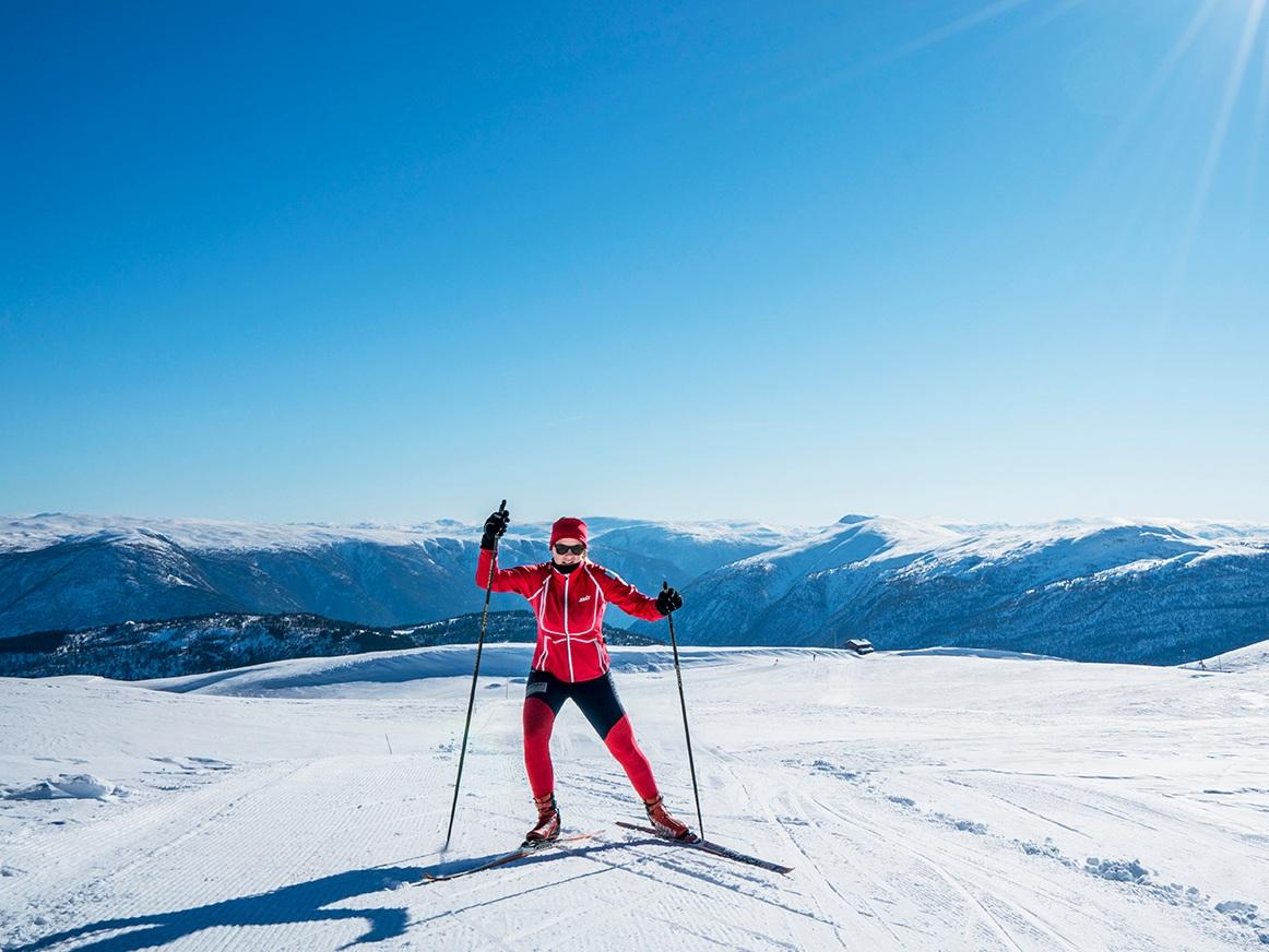 LANGRENN - Sogn skisenter har meir enn 40km langrennsløyper i varierende vanskelighetsgrad. Besøk våre flotte maskinpreparerte langrennsløyper eller les meir