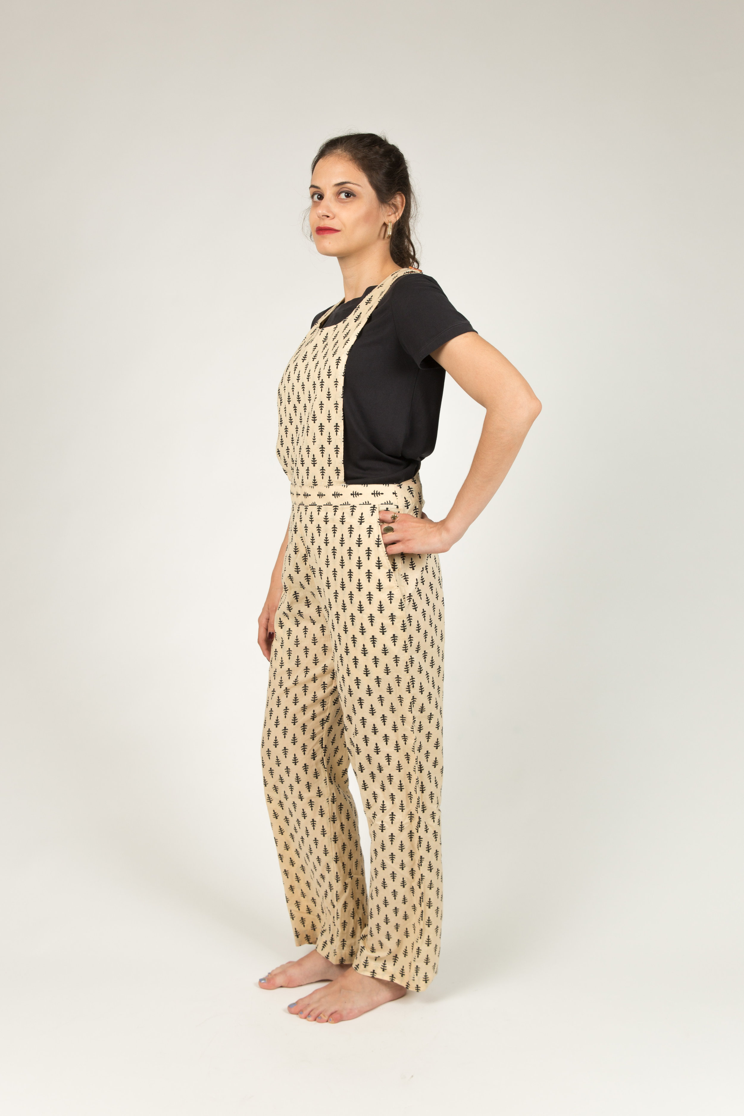 BECKY_BLACK_WHITE_OVERALL_CHARZA