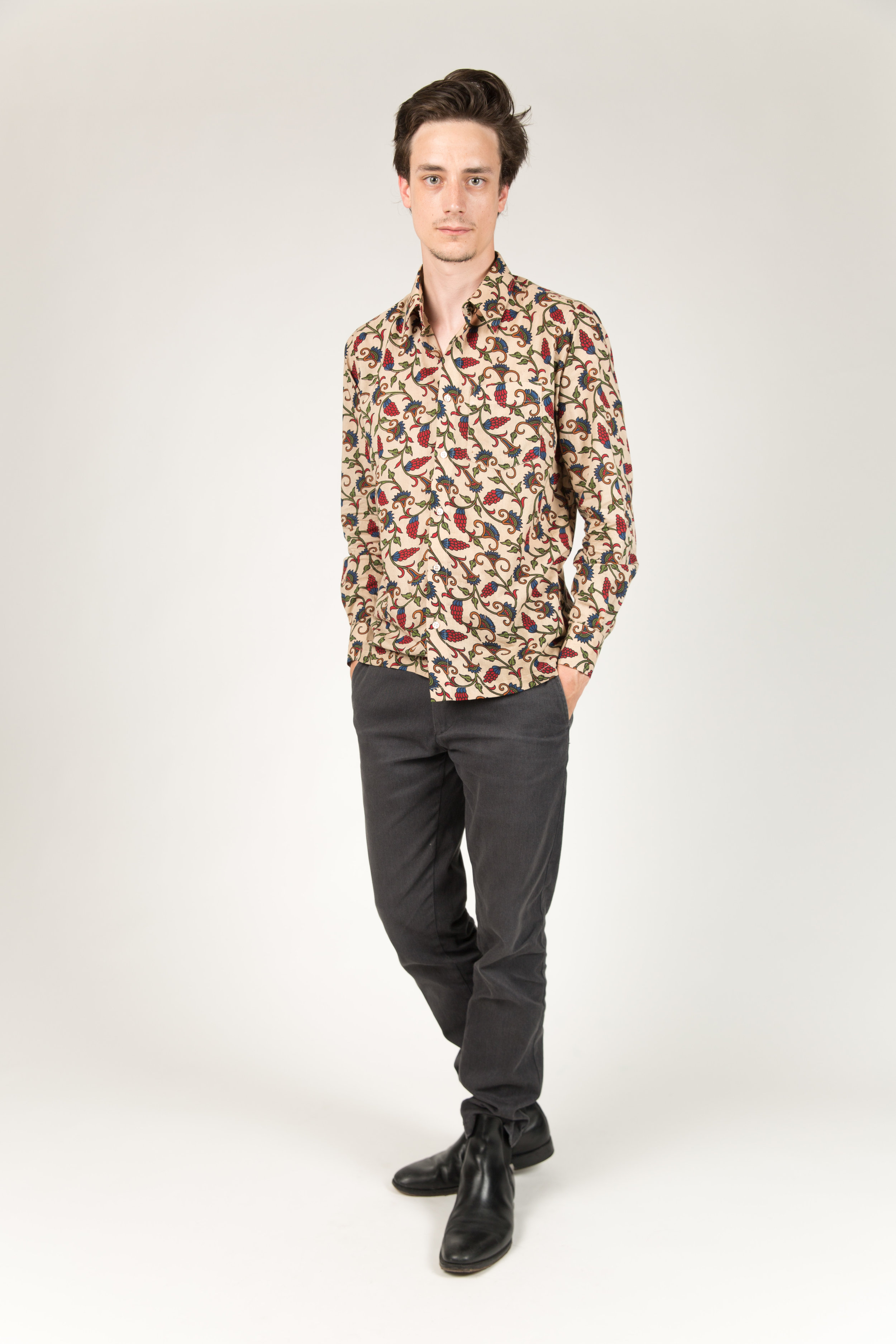 ALSAR_BLACK_AND_WHITE_UNISEX_SHIRT_CHARZA