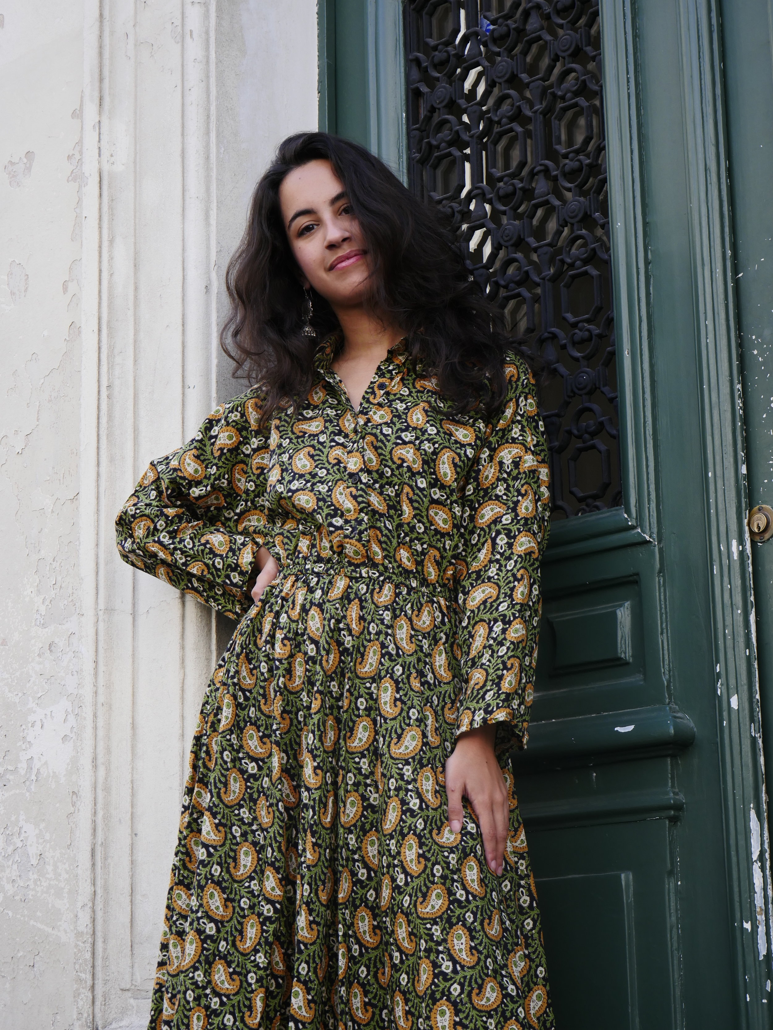 ANA_KAKIBLACKLONGDRESS_CHARZA19
