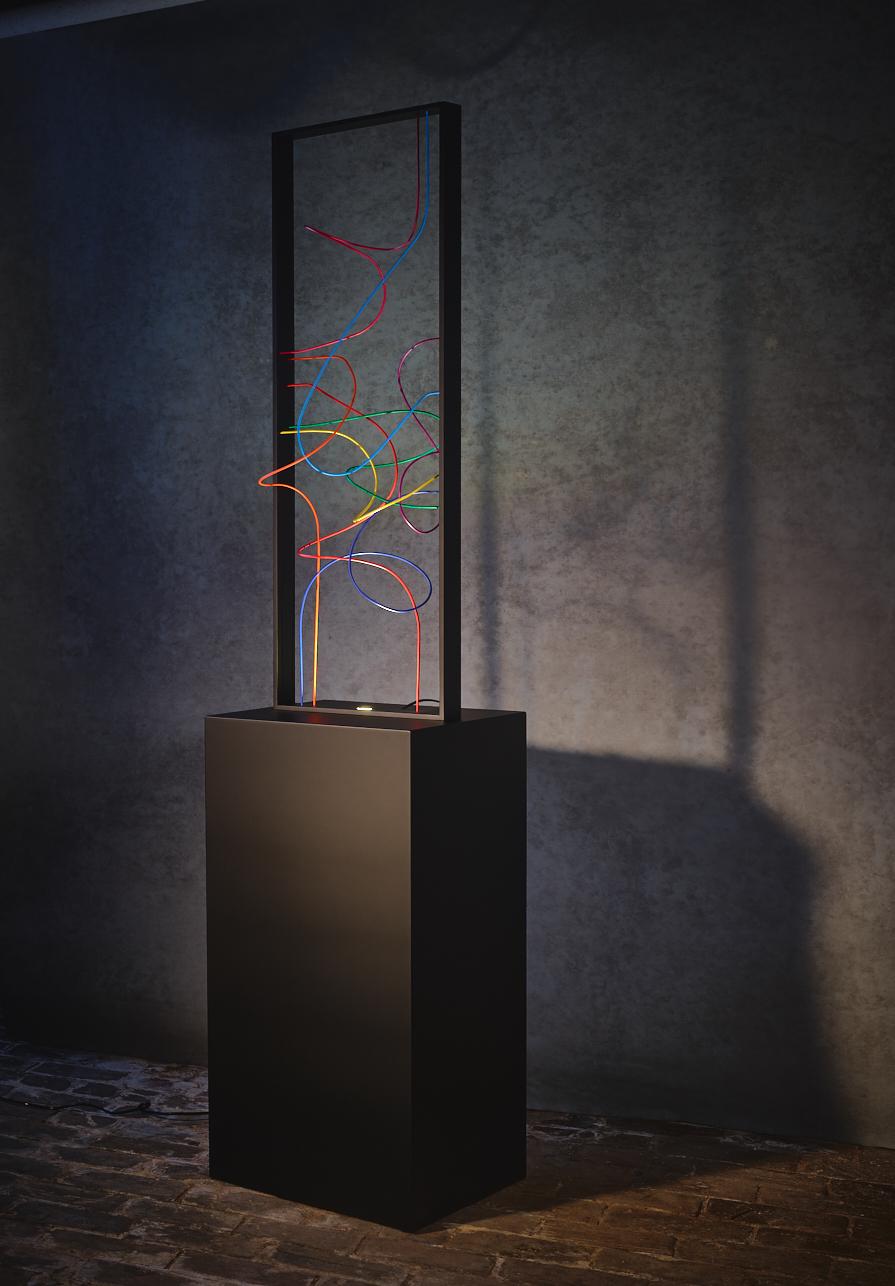 N12.   L x l x H : 38 x 38 x 180 (socle inclus) Matériau : aluminum Type d'éclairage : led 4 watts