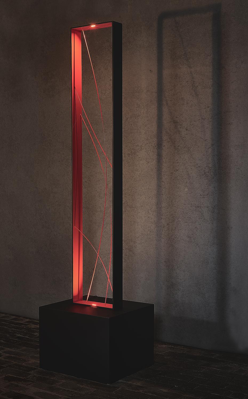 N16.   L x l x H : 50 x 50 x 205 (socle inclus) Matériau : aluminum Type d'éclairage : led 2x3 watts