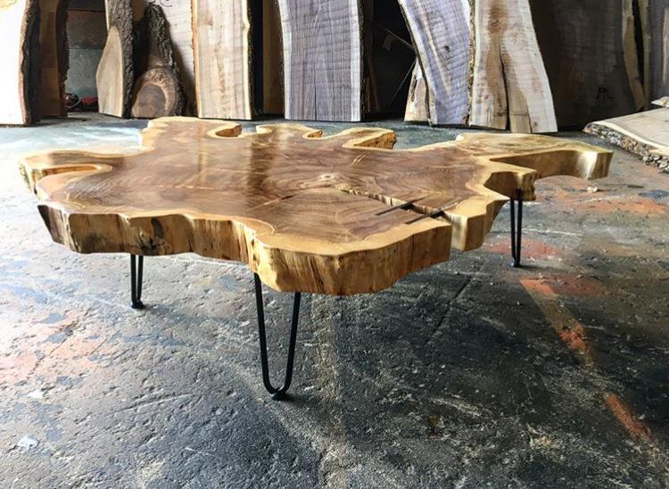 Poplar coffee table with hairpin steel legs