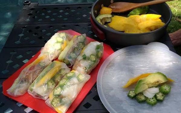 vegan-recipe-okra-avocado-mango-roll-1.jpg