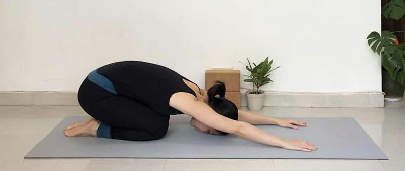 yoga-child-pose-relaxation.jpg