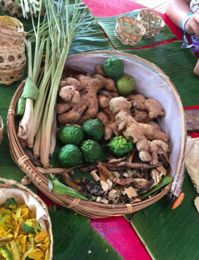 1. Wonderfruit-herbal-massage.png