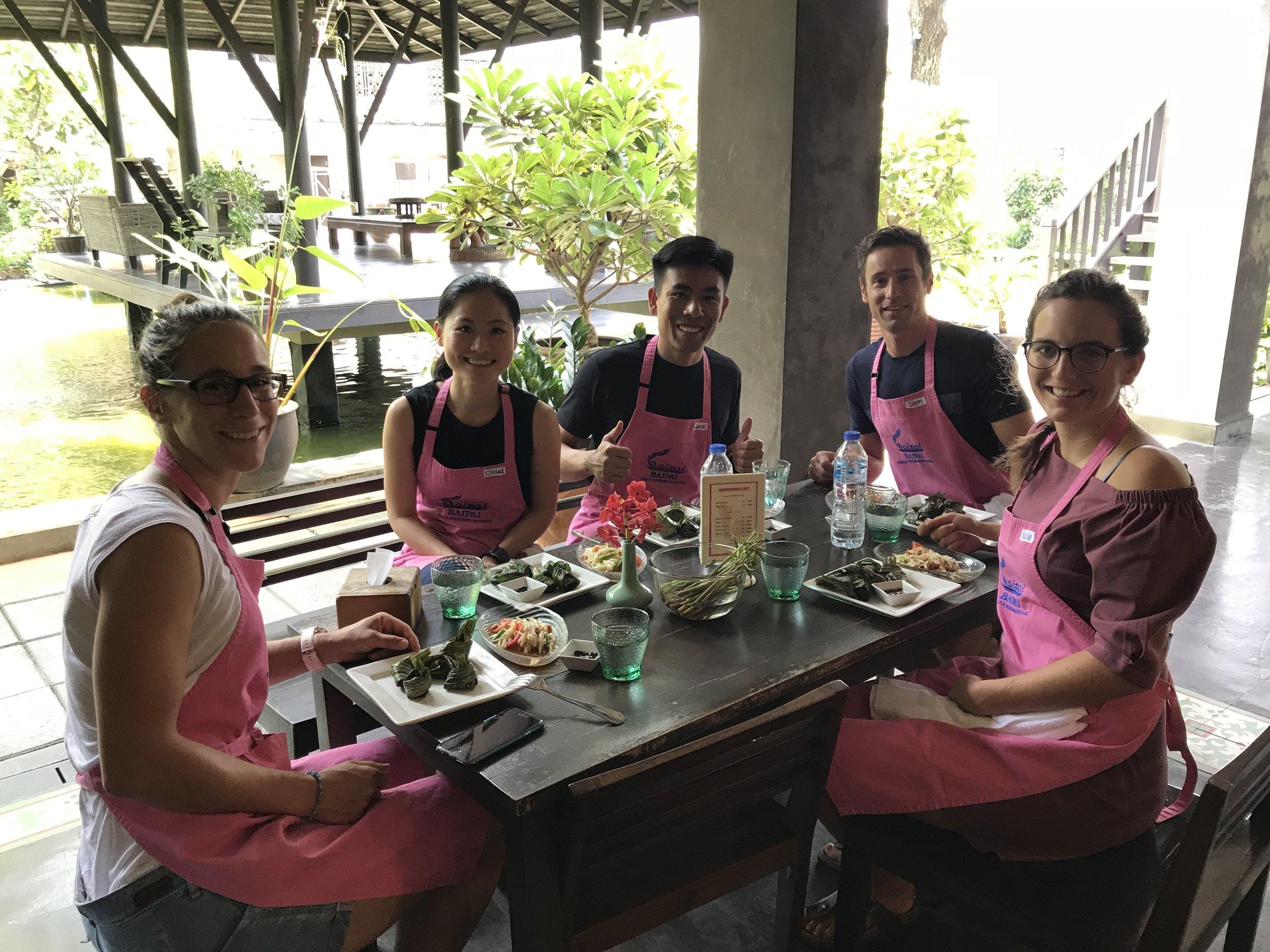 baipai school-cooking-class-classmates-01.JPG