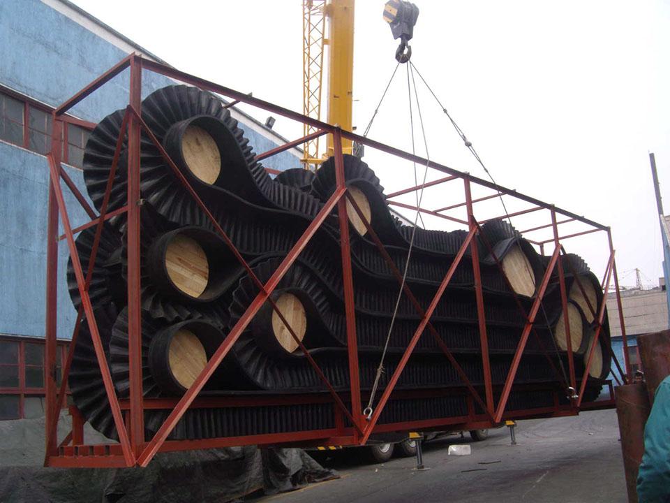 Sidewall Conveyor Packed-R.jpg