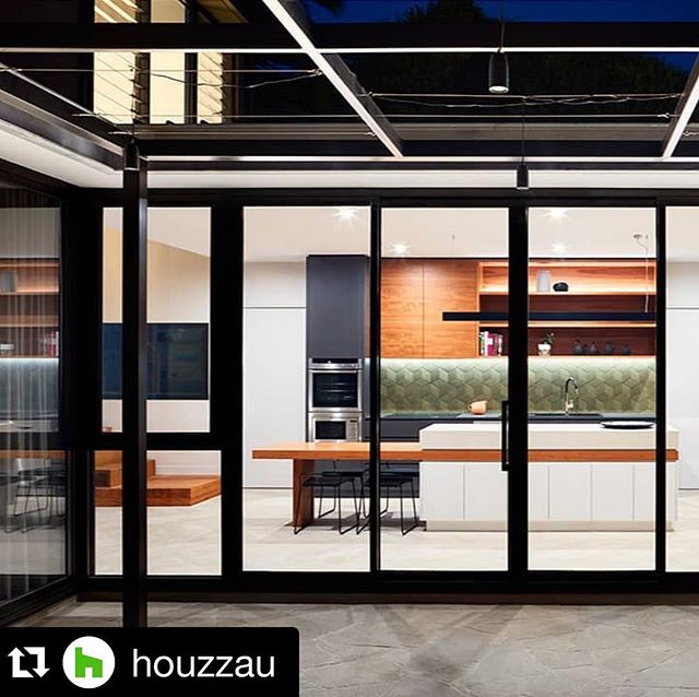 #Repost @houzzau Lovely Grasmere. ・・・ We'd show off our kitchen too if that was our splashback!  Project: @bryant_alsop_architects Photo: @rhiannonslatter
