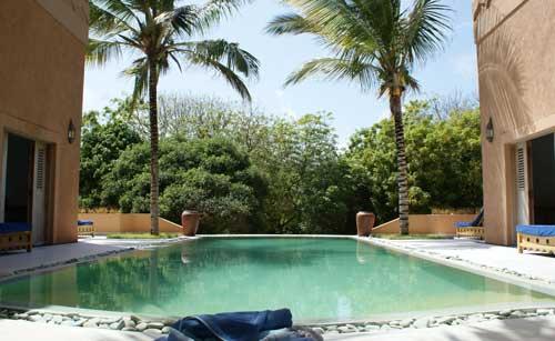 Dhow2-pool2.jpg