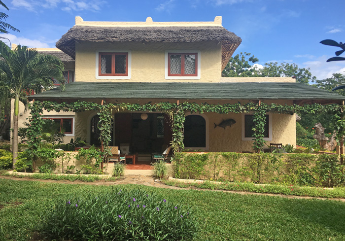 NEW3 BEDROOM HOUSE IN BEAUTIFUL GARDEN ON BEACH ACCESS ROAD FOR SALE - (REF: BAKA02)