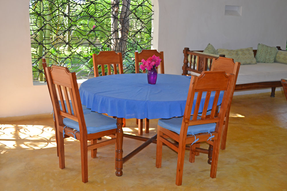 Arcadia-breakfast-table.jpg