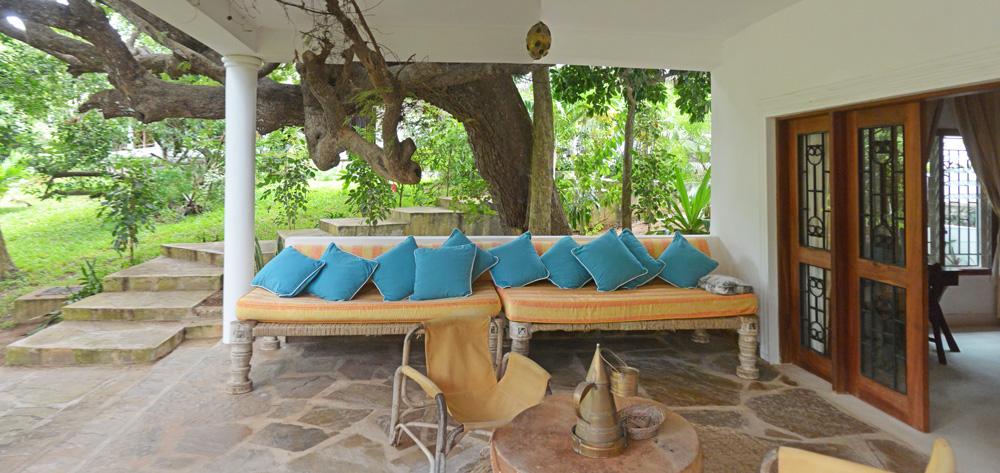 Cottage-verandah.jpg