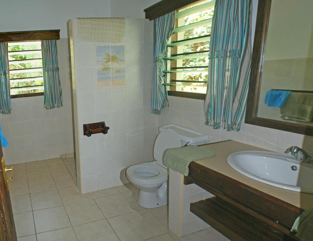 LittleGem-Bathroom.jpg
