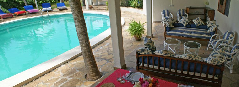 Pavillion-pool-seating.jpg