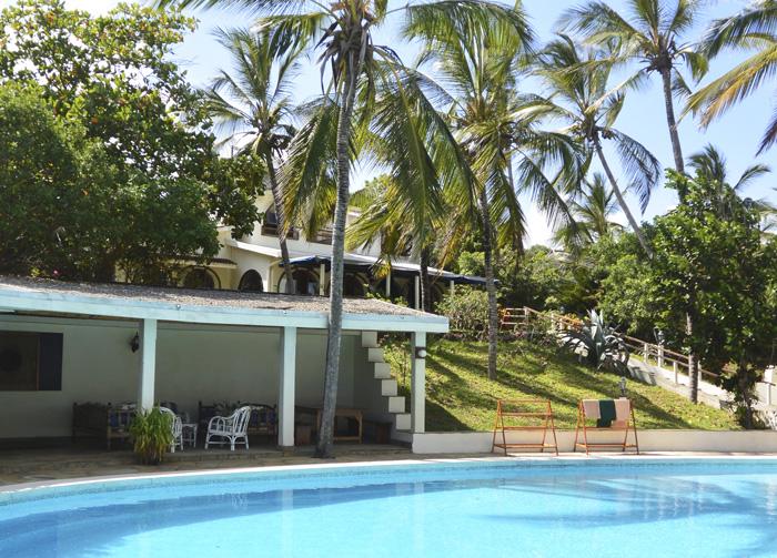Pool-&-House.jpg