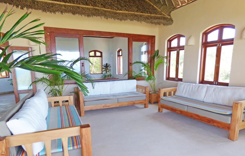 SeaH-lamu-seats-up.jpg