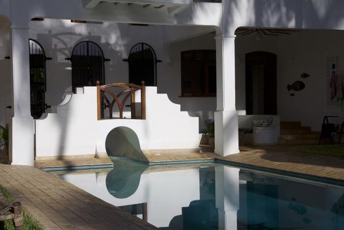 YY-pool-house-morn.jpg
