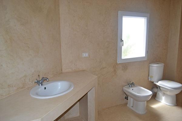AP-bathroom.jpg
