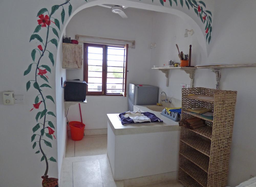 RCB02-kitchen.jpg