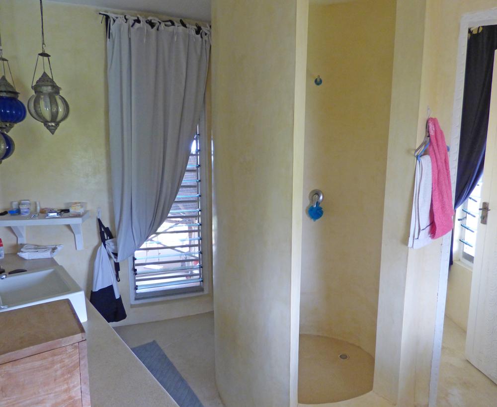 NVFT01-bathroom3.jpg