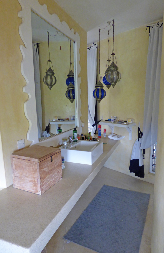 NVFT01-bathroom2.jpg