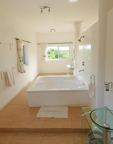 HG-Bathroom1.jpg