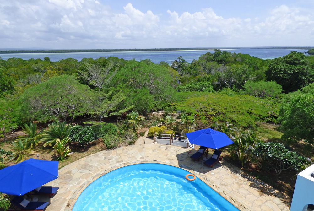 Jahazi-Pool-creekview.jpg