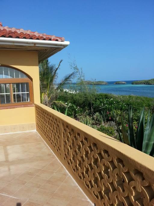 Island-view-housetosea.jpg