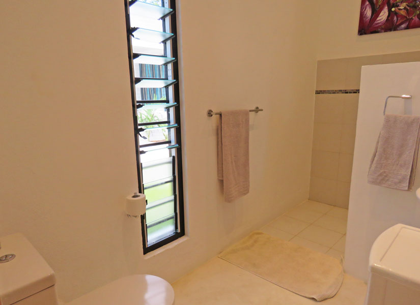 ML-apartment2-bathroom.jpg