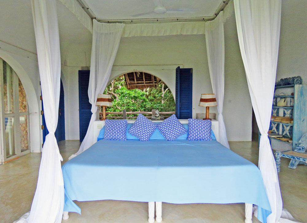 Baraka-blue-bed.jpg