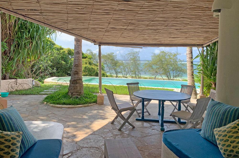 Baraka-house-to-pool.jpg