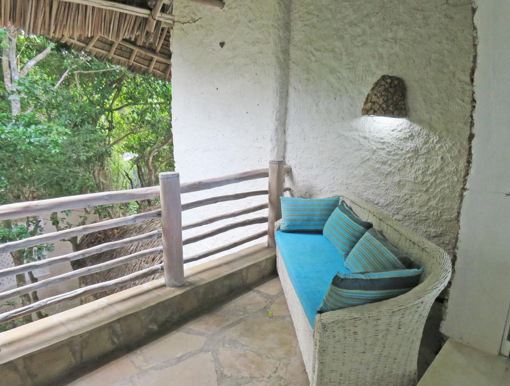 Baraka-balconybed.jpg
