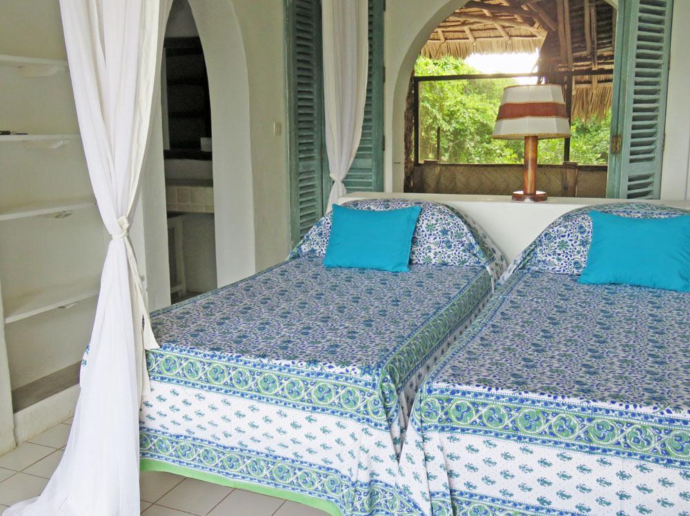 baraka-bed3-looking-in.jpg