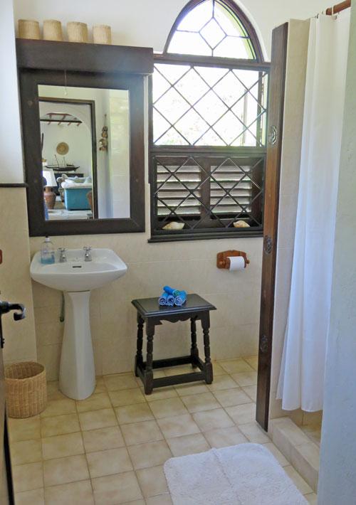Amani-bathroom.jpg
