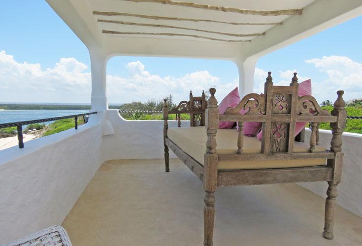 Amani-terrace-lamubed.jpg