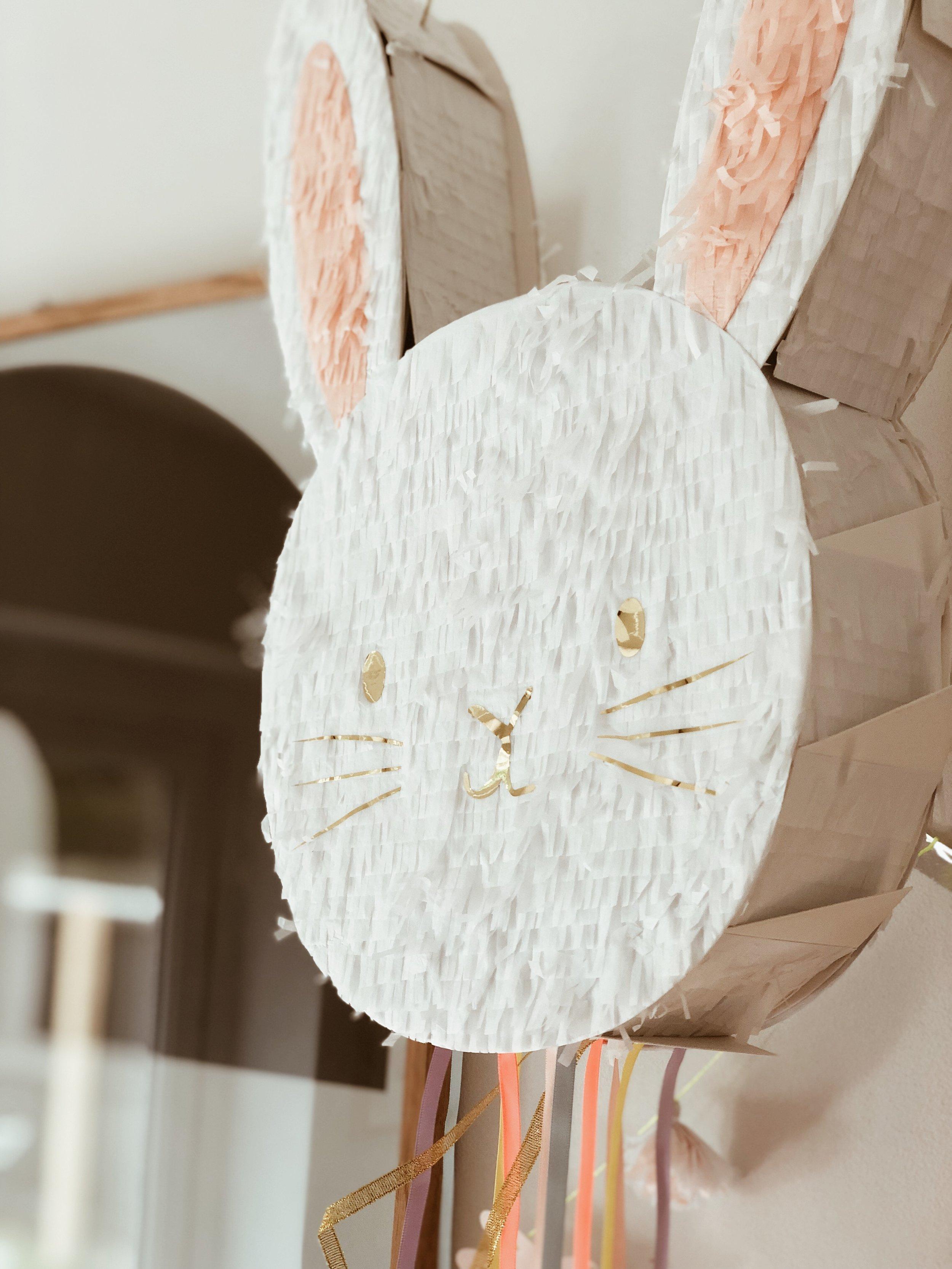 The amazing bunny pinata