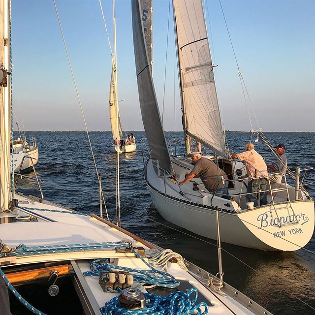 Thursday night racing has been heating up, join us to race, crew or take pics #sbccracing #sbccsail #southbaycruisingclub #greatsouthbay #sailgreatsouthbay #longislandsailing #sailgrammers #cruisingoutpost