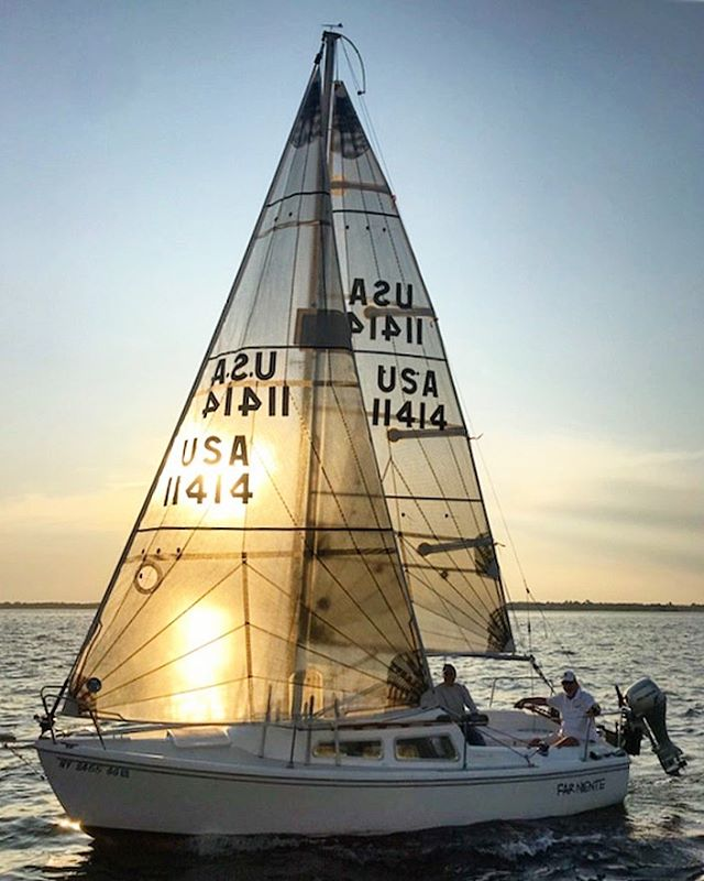 S/V Far Niente @bobbyboatyard has recently joined the #southbaycruisingclub and is enjoying some golden summer sail racing #sbccracing #sbccsail #greatsouthbay #sailgreatsouthbay #longislandsailing #sailgrammers #cruisingoutpost #catalina22