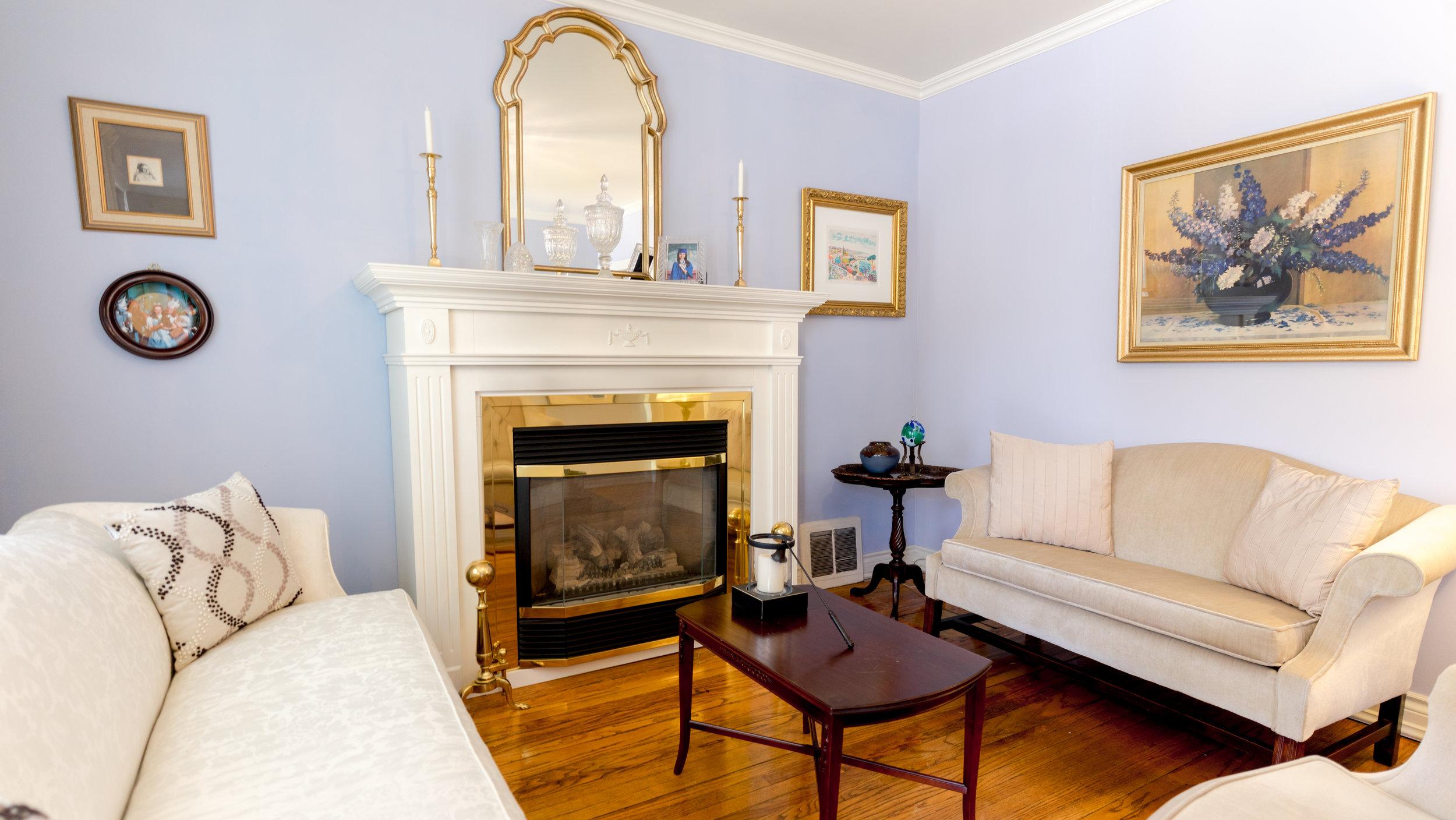 #3 - Living Room - Oak Park-8.jpg