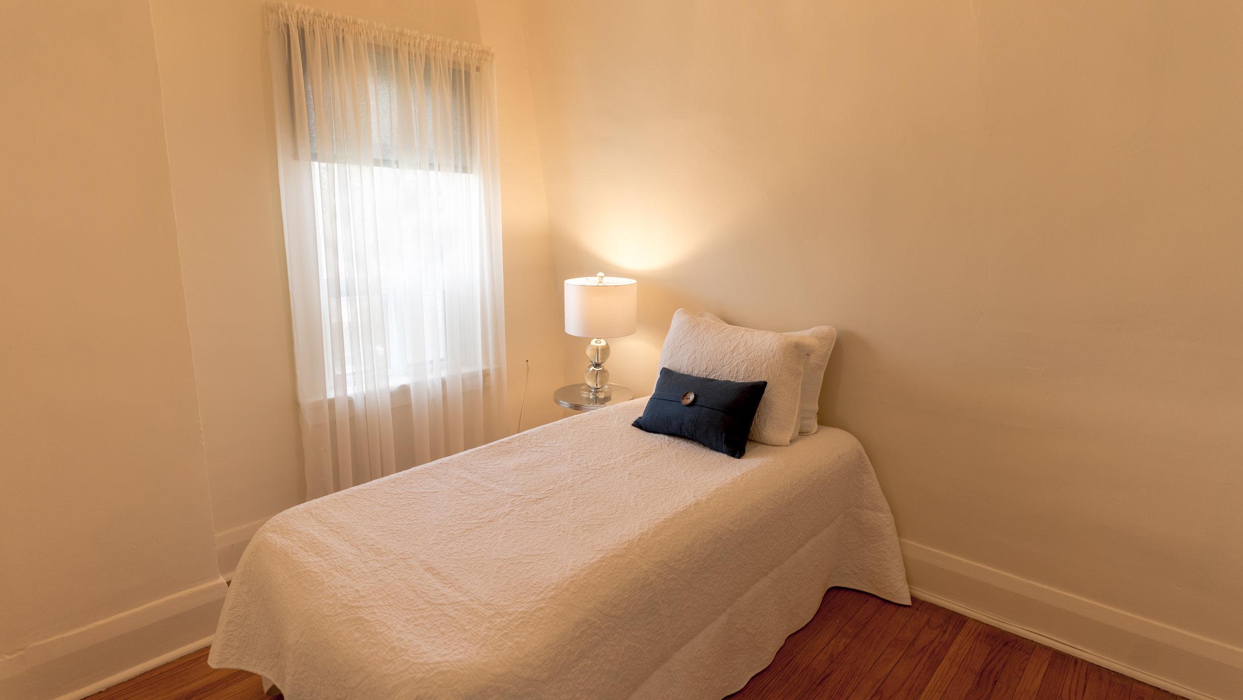 #15 - 2nd bed - Oak Park-39.jpg