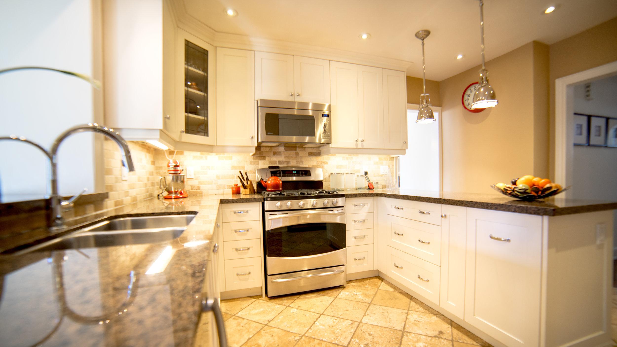#7- Kitchen.jpg