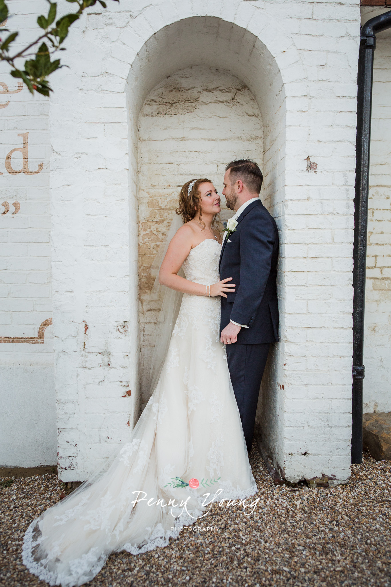 Penny_Young_Photography_The_Bell_Ticehurst_Wedding-Photography_Rachel_Matt_385