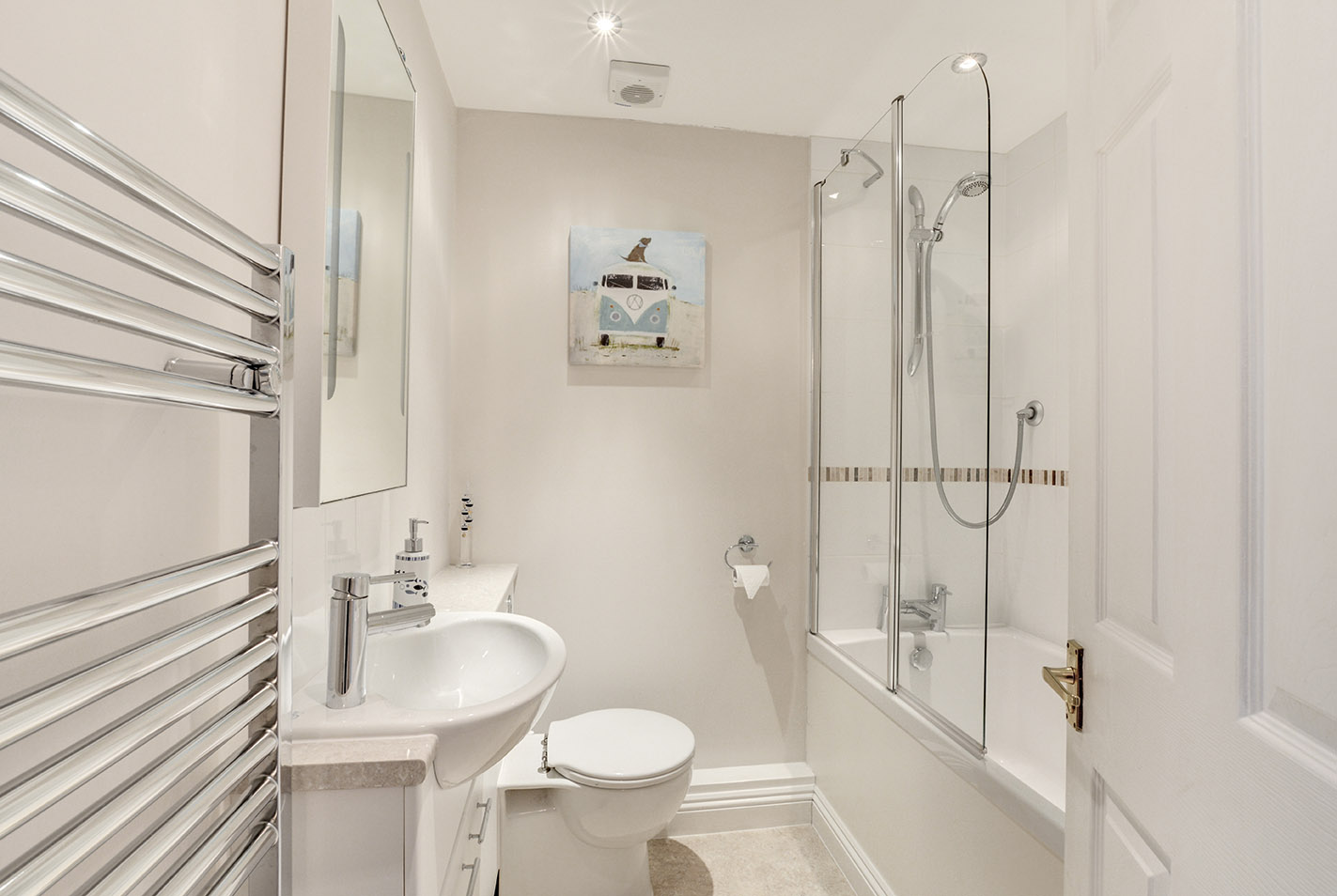 Ship Shape cosy holiday cottage in seaside harbour of Padstow bathroom.jpg