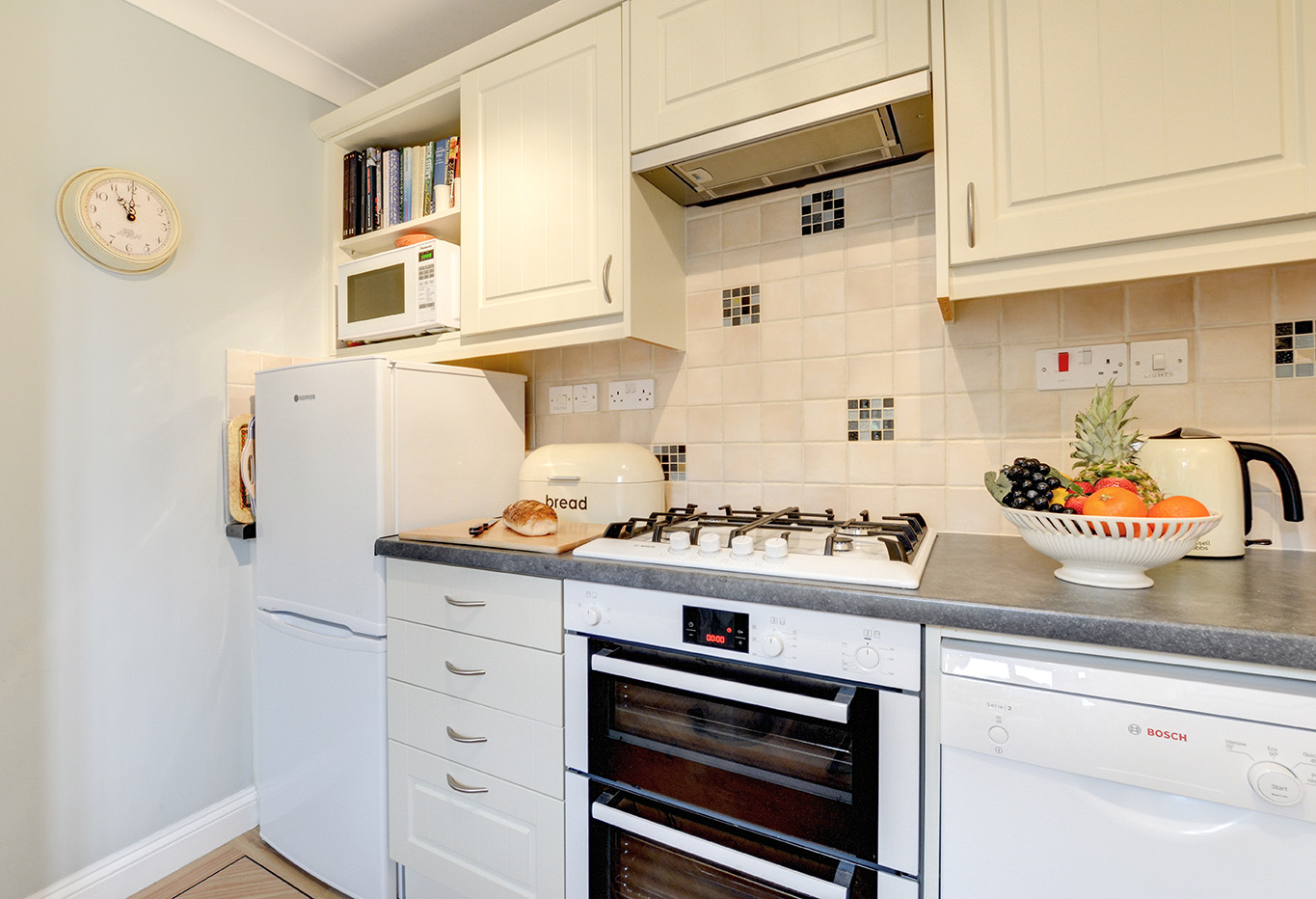 Ship Shape cosy holiday cottage in seaside harbour of Padstow kitchen 01.jpg